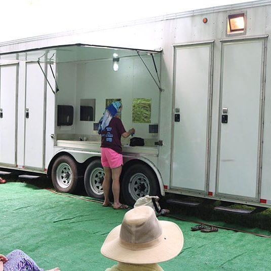 shower-truck